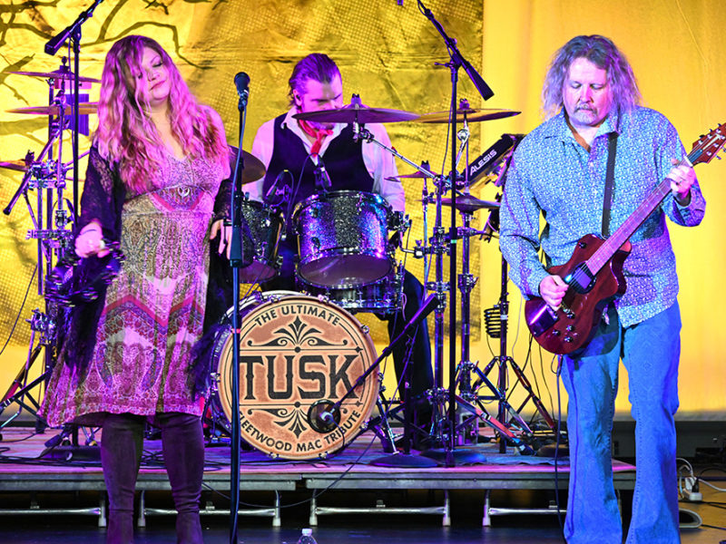 Tusk-Fleetwood Mac Trib-36w