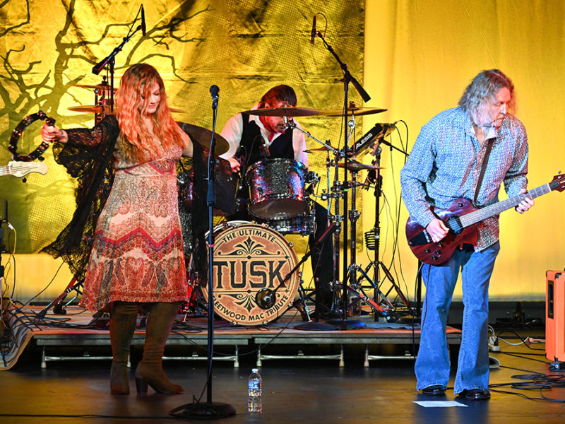 Tusk-Fleetwood Mac Trib-38w