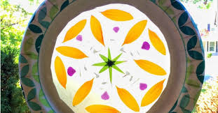 GET TICKETS: The HdG Arts Collective Youth Program presents: Mother's Day Suncatchers